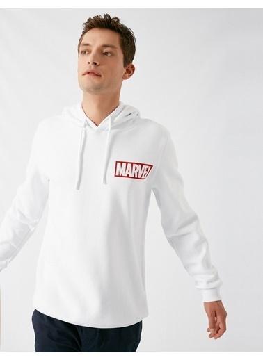 Koton Marvel Lisansli Kapüsonlu Uzun Kollu Sweatshirt Beyaz